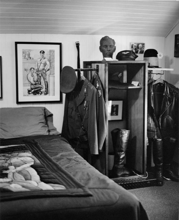 Interiör från Laaksonens sovrum.